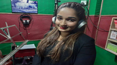 মুক্তিযুদ্ধের সিনেমা প্লে-ব্যাক করলেন রিমা