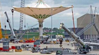 পবিত্র নগরী মক্কায় তৈরি হচ্ছে বিশ্বের সবচেয়ে বড় ছাতা