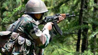 পাকিস্তান সেনাদের হামলায় কাশ্মিরে ৩ ভারতীয় সেনা নিহত