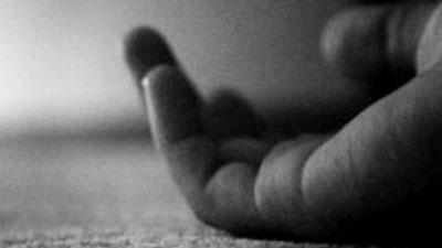 গলায় ফাঁস দিয়ে গৃহবধূর আত্মহত্যা