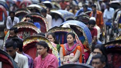 ঢাকা শহরে রিকশার ভবিষ্যৎ কী