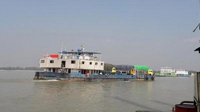 শিমুলিয়া-কাঁঠালবাড়ী নৌরুটে ফেরি চলাচল বন্ধ