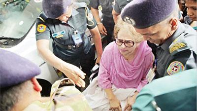 খালেদা জিয়া গুরুতর অসুস্থ, পঙ্গুত্বের আশঙ্কা, বলছে ড্যাব