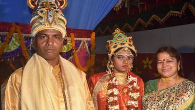 জাকাতের টাকায় হিন্দু নারীর ধুমধাম বিয়ে