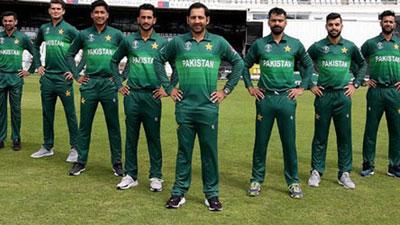 আতঙ্কের মধ্যেই বড় সুখবর পেল ২২০ পাকিস্তানি ক্রিকেটাররা