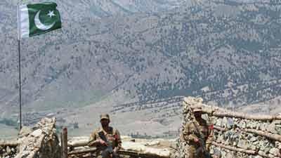 পাক-আফগান সীমান্তে উত্তেজনা, ৫ সেনা নিহত
