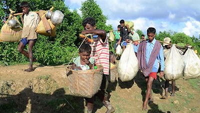 রোহিঙ্গাদের সামলাতে হিমশিম খাচ্ছে সরকার
