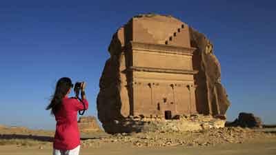 ৫০০ রিয়ালে 'হোস্ট ভিসা' চালু করছে সৌদি আরব