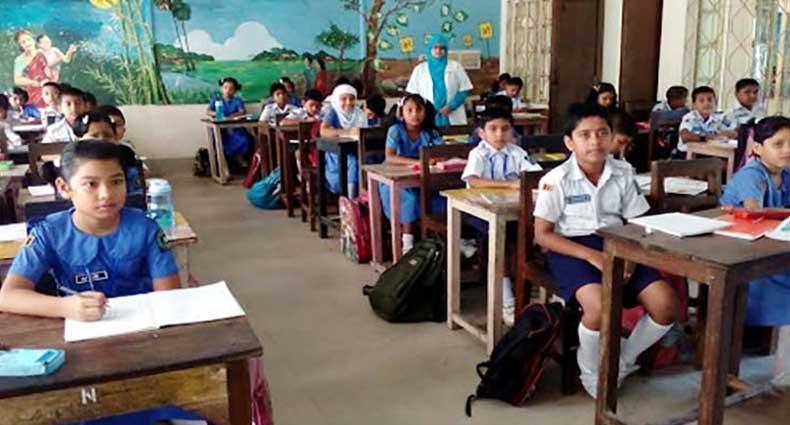 স্কুলের টিউশন ফি আদায়ে বেপরোয়া শিক্ষাপ্রতিষ্ঠান, নির্লিপ্ত মন্ত্রণালয়