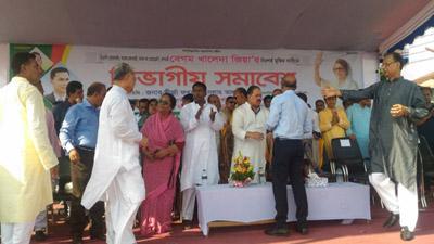 খালেদা জিয়ার মুক্তির দাবিতে চলছে বিএনপির সমাবেশ