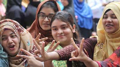 কুমিল্লা বোর্ডে ফেল থেকে পাস করলো ৬১ শিক্ষার্থী