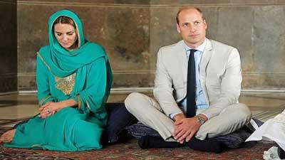 মসজিদে কোরআন তিলাওয়াত শুনলেন প্রিন্স উইলিয়াম ও তার স্ত্রী