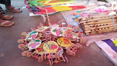 মেলার অন্যতম আকর্ষণ লোকজ ঐতিহ্য 'টম টম'