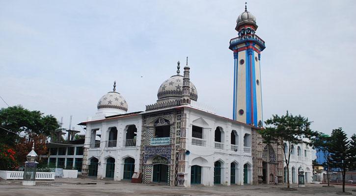 কালের সাক্ষী হাজীগঞ্জ ঐতিহাসিক বড় মসজিদ