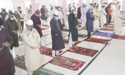 স্বাস্থ্যবিধি মেনে ঈদের নামাজ মসজিদে আদায়ের নির্দেশ