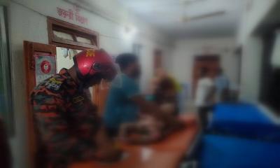 মুন্সীগঞ্জে ছেলে-মেয়েসহ মা দগ্ধ, হাসপাতালে ছেলের মৃত্যু