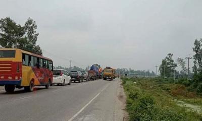 সিরাজগঞ্জে মহাসড়কে ১৫ কিলোমিটার যানজট