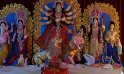 মহাষ্টমী আজ: মণ্ডপে মণ্ডপে করোনা থেকে মুক্তির জন্য বিশেষ প্রার্থনা