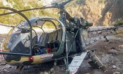 কাশ্মীরে ভারতীয় সেনাবাহিনীর হেলিকপ্টার বিধ্বস্ত