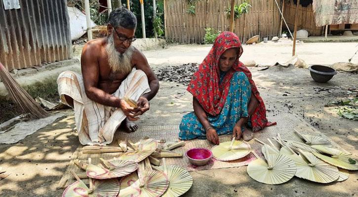 চাটমোহরে পাখা পল্লীতে ব্যস্ততা নেই কারিগরদের