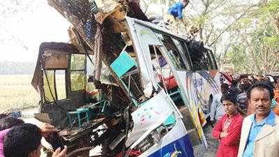 কাউখালীতে শিক্ষা সফরের বাস দুর্ঘটনায় ২৫ শিক্ষার্থী আহত