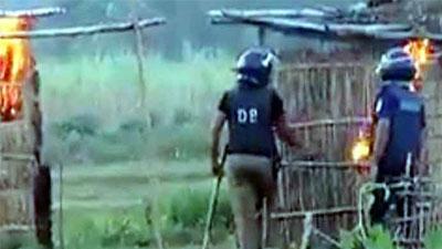'সাঁওতাল পল্লীতে অগ্নিসংযোগে পুলিশ জড়িত': আদেশ ৭ ফেব্রুয়ারি