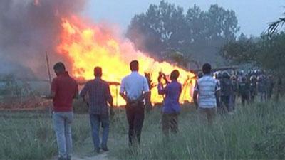 এমপির বিরুদ্ধে মামলা: সাঁওতালরা অবরুদ্ধ!