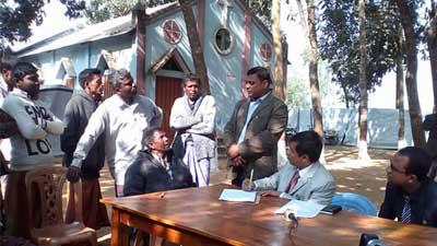 সাঁওতালপল্লীতে মুখ্য বিচারিক হাকিম ও পিবিআই