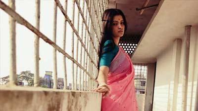 পরীমণিকে পাল্টে দিয়েছেন 'মনপুরা' নির্মাতা