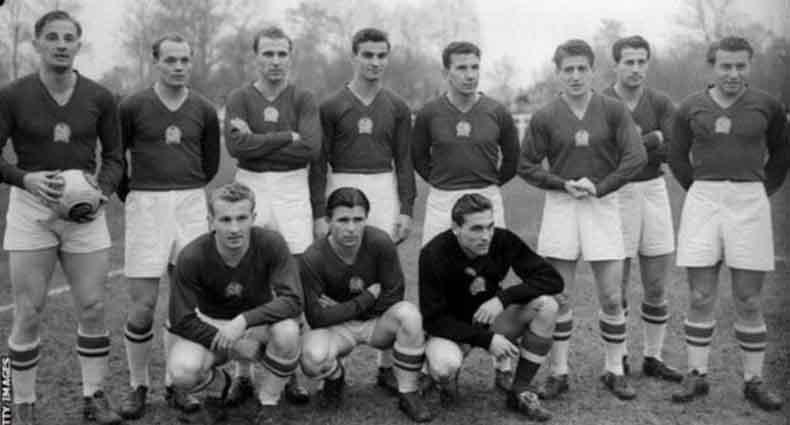 ইতিহাসের সেরা ফুটবল দল কোনটি?