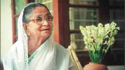 কবি সুফিয়া কামাল : বন্দি মানবতার মুক্তির দূত
