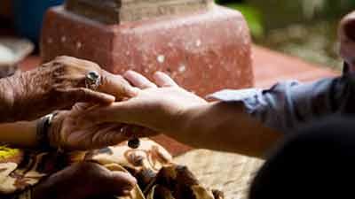হাত দেখে ভবিষ্যৎ বলে দেবে এই অ্যাপ