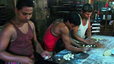 বান্দরবানে অনুমোদনহীন বেকারির ছড়াছড়ি