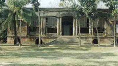 বিলুপ্তির পথে মোরেলগঞ্জের ঐতিহাসিক কুঠিবাড়ি