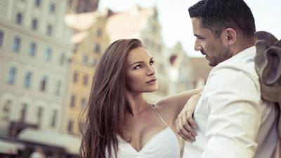 পুরুষরা কোন ধরনের নারীদের প্রতি বেশি আকৃষ্ট?