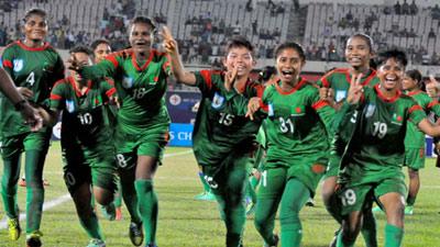 চীন যাচ্ছে নারী ফুটবল দল