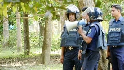 'ইগল হান্ট' অভিযান, গুলি-বিস্ফোরণে প্রকম্পিত