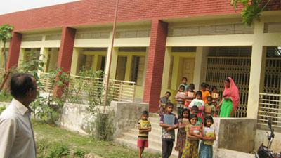 শিক্ষক সংকটে বন্ধের পথে প্রাথমিক বিদ্যালয়