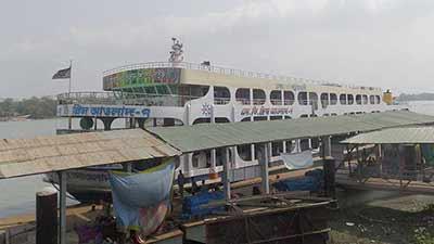 ঢাকা-পটুয়াখালী নৌ রুটে নৈরাজ্য, জিম্মি যাত্রীরা
