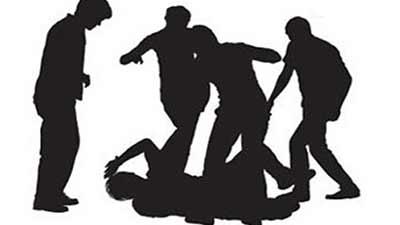 ক্রিকেট খেলা বিরোধে দুর্বৃত্তদের হামলায় আহত ২