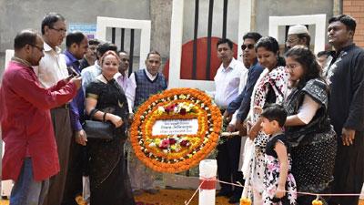 হাবীবুল্লাহ্ বাহার কলেজে ভাষা শহীদদের প্রতি শ্রদ্ধা