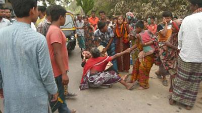 চুয়াডাঙ্গা: নিহতের মিছিলে ১৩জন