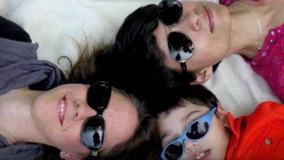 আদালতের রায় 'এক সন্তানের দুই মা'
