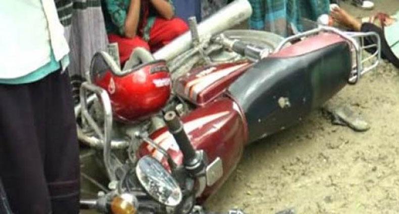 মহাখালী ফ্লাইওভারে মোটরসাইকেল চালকের মর্মান্তিক মৃত্যু