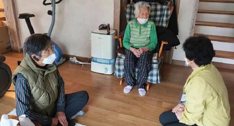 করোনায় আক্রান্ত হয়ে সুস্থ হয়ে উঠলেন ৯৬ বছরের বৃদ্ধা