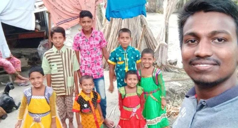 সুবিধাবঞ্চিত শিশুদেরকে রাবি স্বপ্ন-ফেরির ঈদ উপহার