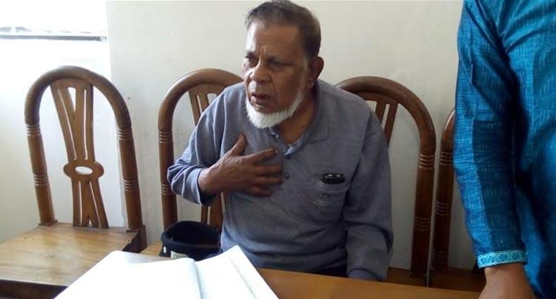 মুক্তিযোদ্ধার স্বীকৃতি চায় রাবি কর্মচারী মকবুল