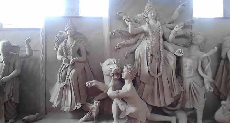 সার্বজনীন দুর্গা মন্দিরে প্রতিমা ভাঙচুর