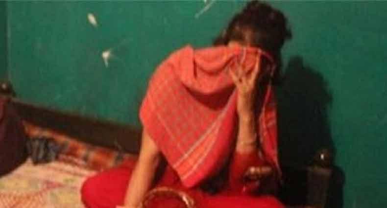 দোকানে হাত-পা বেঁধে গৃহবধূকে 'গণধর্ষণ'