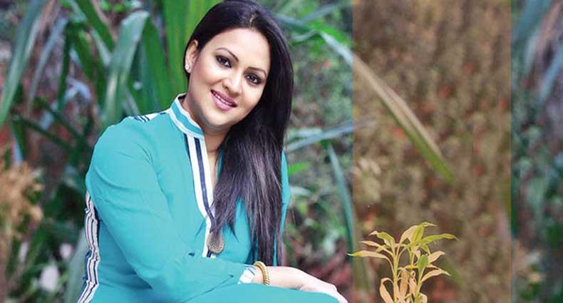 ঢাকায় আসছেন রিচি সোলায়মান